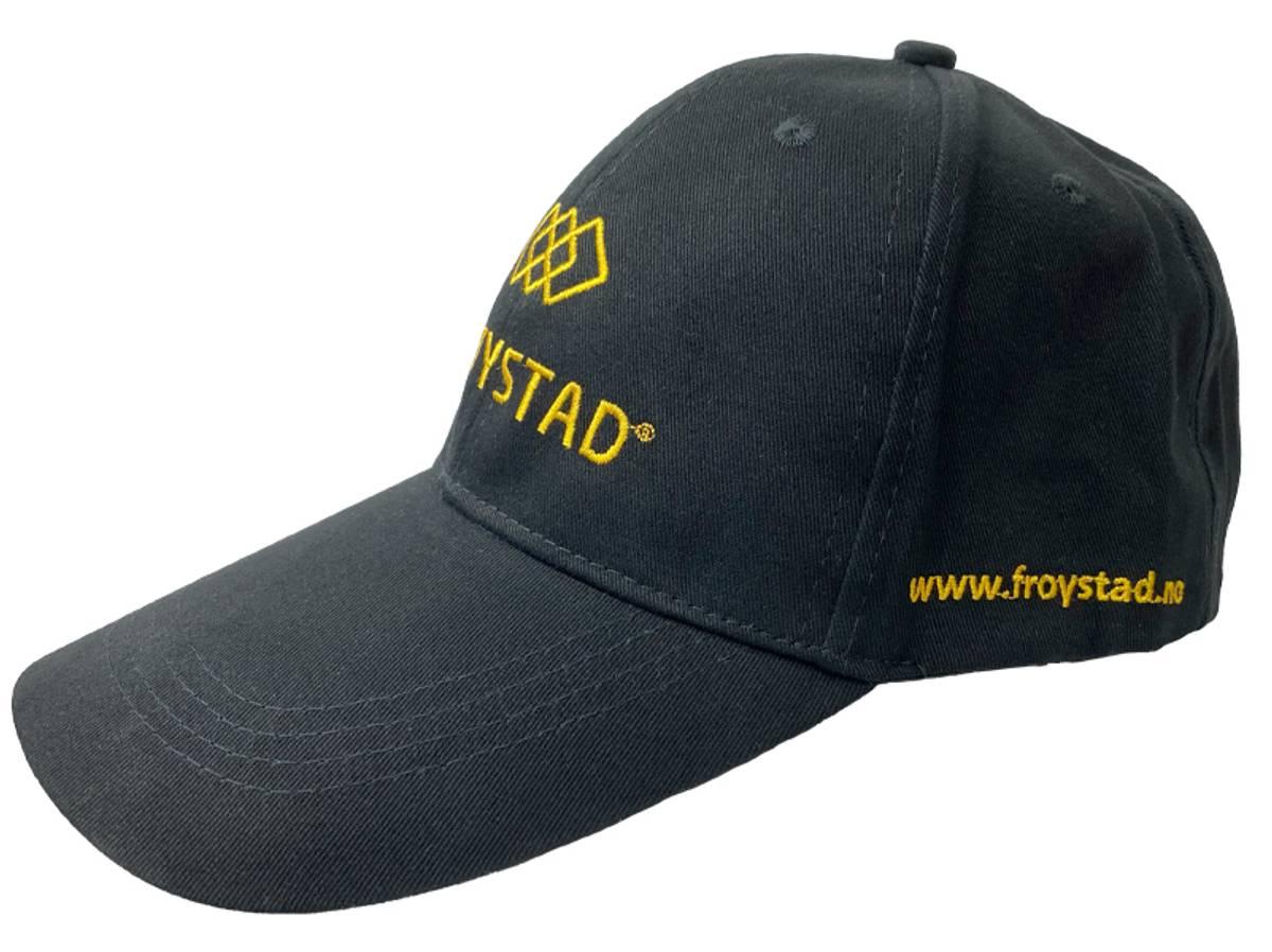 Caps med Frøystad logo